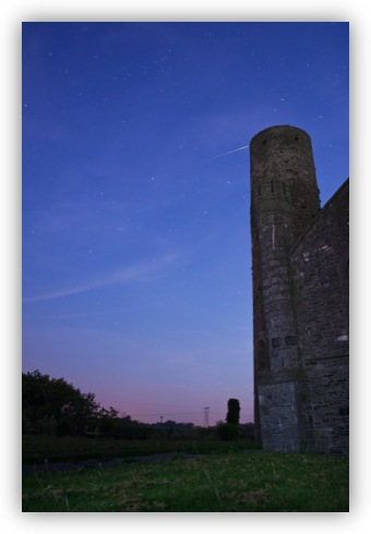 Iridium Flare 'crashing' into Taghadoe Round Tower